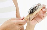 ۱۰ علامت هشدار دهنده ی شروع ریزش مو