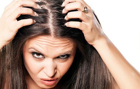 علت خارش سر و ریزش مو و نحوه درمان آنها
